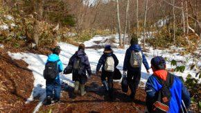 【報告】冬の森で全開雪遊び!スノーシュー散策!