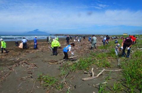【報告】稚咲内海岸清掃が行われました